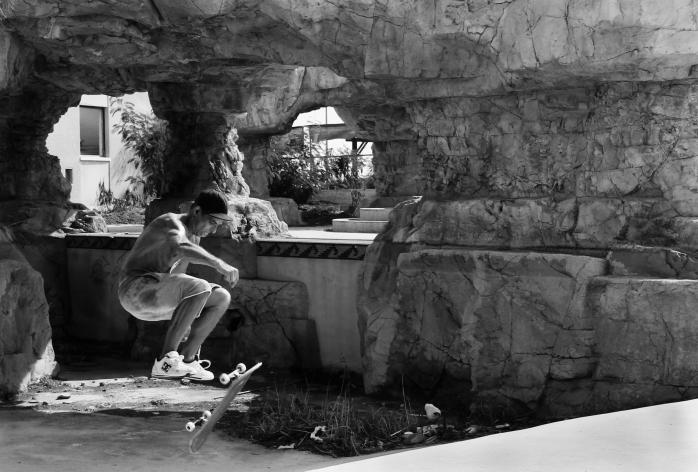 Pool skater
